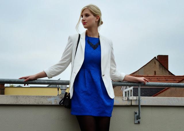 outfit blue dress leonie l wenherz. Black Bedroom Furniture Sets. Home Design Ideas